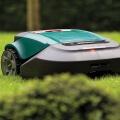Robomow RS Rasenroboter im Rasen